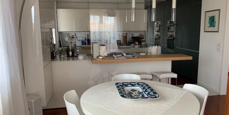 Pranzo vista cucina