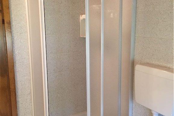 Servizio con doccia